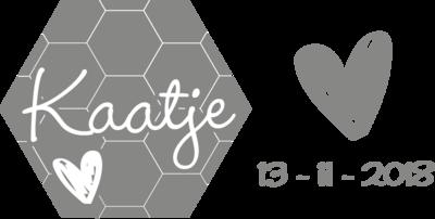 Geboortesticker honingraat met hart | muurenstickers.nl